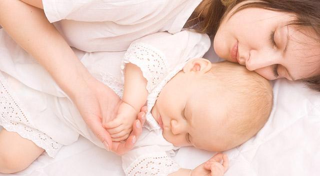 Colecho Seguro: 10 Pasos para Dormir con tu Bebe de Forma Segura